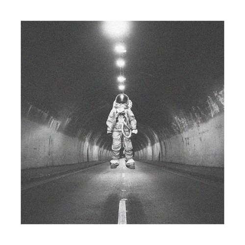 دانلود موزیک جدید Vugarixx رویاهای کیهانی (آهنگ بیکلام)